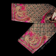 Latest Checks Blouse Designs for 2019 Top Designer's Work Blouse Designs in Checkered Patterns No matter what the occasion it could be, the work blouses became a trend nowadays and y… Wedding Saree Blouse Designs, Designer Blouse Patterns, Fancy Blouse Designs, Blouse Neck Designs, Hand Work Blouse Design, Stylish Blouse Design, Aari Work Blouse, Mary Janes, Blouse Designs Catalogue