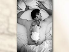 precious...i want a picture like this of my hubby and baby!