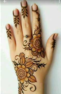 Explore latest Mehndi Designs images in 2019 on Happy Shappy. Mehendi design is also known as the heena design or henna patterns worldwide. We are here with the best mehndi designs images from worldwide. Henna Hand Designs, Latest Mehndi Designs, Henna Flower Designs, Mehndi Designs Finger, Simple Arabic Mehndi Designs, Mehndi Designs For Fingers, Mehndi Design Images, Mehndi Simple, Mehndi Art Designs