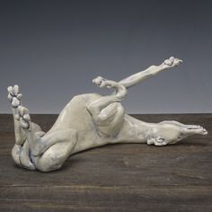 Sarah Regan Snavely is a studio artist & sculptor who works in North Dakota making clay sculptures, handmade tile & sterling silver jewelry. Greyhound Art, Italian Greyhound, Dog Sculpture, Animal Sculptures, Ceramic Sculpture Figurative, Dog Anatomy, Grey Hound Dog, Lab Puppies, Animal Photography