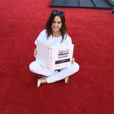 Photo: Bailee Madison Rehearsing For Her Red Carpet Co-Hosting Duties At The 2015 Billboard Music Awards - Dis411: