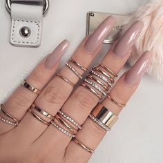 Image about nails in 𝐌𝐀𝐍𝐈𝐂𝐔𝐑𝐄 by 𝓂𝑜𝑜𝓃𝓈𝓉𝓇𝓊𝒸𝓀 on We Heart It Sexy Nails, Love Nails, How To Do Nails, Gorgeous Nails, Pretty Nails, Coffin Nails, Acrylic Nails, Acrylics, Nail Ring