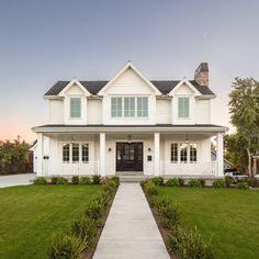 Modern farmhouse house exterior by The Fox Group. #modernfarmhouse #houseexterior #thefoxgroup #architecture