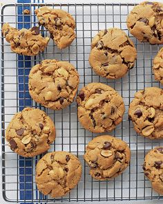 FLOURLESS peanut-chocolate cookies.