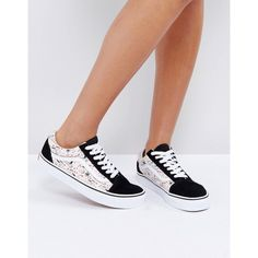 Vans X Peanuts Old Skool Trainers (€65) ❤ liked on Polyvore featuring shoes, sneakers, multi, slip on shoes, skate shoes, high top canvas sneakers, lace up sneakers and vans sneakers