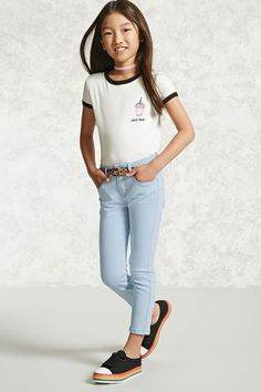 Girls Skinny Jeans (Kids) Forever 21 Girls – A pair of denim skinny jeans featuring a five-pocket construction and a zip fly with button closure. Teenage Girl Outfits, Cute Girl Outfits, Kids Outfits Girls, Cute Outfits For Kids, Cute Summer Outfits, Tween Girls, Forever 21 Outfits, Forever 21 Girls, Outfits Niños