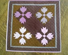 Amish style quilts | Amish-style bear paw quilt