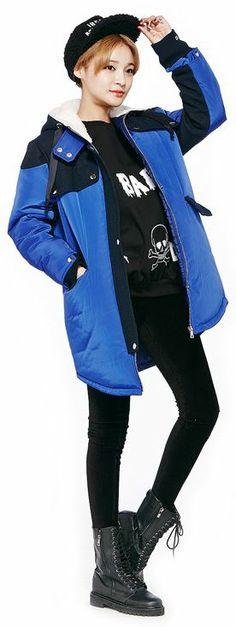 Bicolor Hoodie Jumper (2 Colors) | Fall & Winter | Dolly & Molly | www.dollymolly.com | #hoodie #jumper #outer #korea #fashion #daily #fw #lookbook #ootd #royalblue #unisex #boylish #oversized #coat #streetwear #snap #yellow
