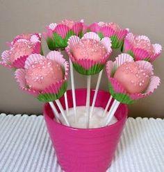 Flower cookie pops - Oh so sweet Flower Cake Pops, Cake Pop Bouquet, Flower Cookies, Candy Bouquet, Bee Cake Pops, Snowman Cake, Christmas Cake Pops, Baby Shower Cake Pops, Wedding Cakes With Flowers