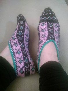 Hey, I found this really awesome Etsy listing at https://www.etsy.com/ru/listing/229288513/free-shipping-hand-knit-house-slippers