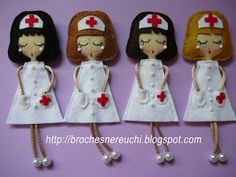 BROCHES NEREUCHI Felt Decorations, Fairy Dolls, Felt Ornaments, Felt Flowers, Creative Crafts, Homemade Gifts, Leather Craft, Felt Crafts, Doll Patterns