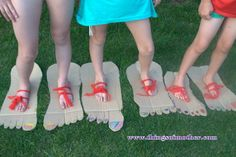 Big foot. Party games. www.thingsofmother.com