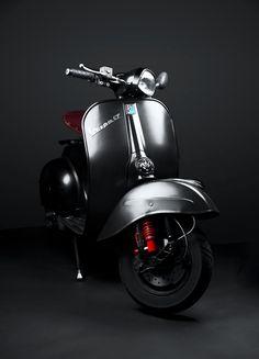 PACKSHOT MOTORCYCLE | VESPA GT 125