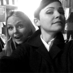 Jennifer Morrison and Ginnifer Goodwin behind the scenes on Once Upon A Time