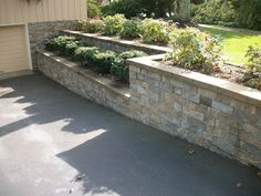 38 Trendy Ideas for landscaping front yard island retaining walls - All For Garden Landscaping Retaining Walls, Driveway Landscaping, Landscaping Ideas, Driveway Ideas, Walkway, Driveway Edging, Circle Driveway, Landscaping Contractors, Landscape Walls