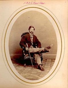 CHARLES KNOWLTON  SUCCESSFUL INTERMEDIATE EXCISION OF THE RIGHT KNEE-JOINT. (FROM SURGICAL  PHOTOS.) CAPT, 010, LA, EWELL'S CORP MINE RUN, VA, 27 NOV 1863 READ,  JAMES & THOMAS, HOWELL D MCCORMICK, CHARLES  1869