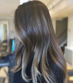Pin by ramona monaco on hair ideas in 2019 balayage hair, br Pelo Bronde, Balayage Hair, Soft Balayage, Ombre Hair, Hair Color For Morena, Hair Color And Cut, Hairstyles Haircuts, Pretty Hairstyles, Shaggy Haircuts