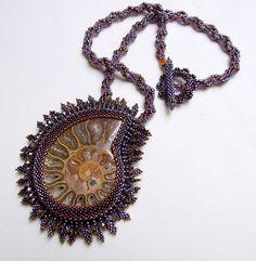 Ammonite mauve by Océanie Créations