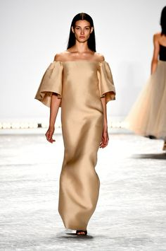 Pin for Later: The Most Gorgeous Gowns From Fashion Weeks Around the World Monique Lhuillier Spring 2015