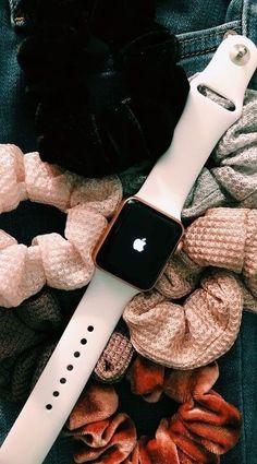 apple watch n scrunchies Scrunchies, Vsco, Apple Watch Fashion, Accessoires Iphone, Apple Watch Accessories, Phone Accessories, Accesorios Casual, Birthday Wishlist, Mode Inspiration