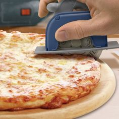 Circular Saw Pizza Cutter #Under-$50 #For-Men #Gifts-For_The-Chef