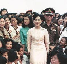 King Bhumibol and Queen Sirikit King Phumipol, King Rama 9, King Of Kings, King Queen, King Thailand, Queen Sirikit, Thailand Photos, Bhumibol Adulyadej, King Photo
