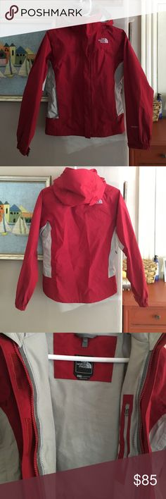 North Face jacket Awesome jacket! Mint condition! Wind proof, water resistant North Face Jackets & Coats