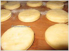 Gogosi aromate Hamburger, Bread, Food, Beverages, Fine Dining, Brot, Essen, Baking, Burgers