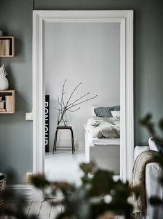 Green Apartment, Apartment Bedroom Decor, Home Bedroom, Room Decor Bedroom, Bedroom Signs, Bedroom Rustic, Bed Room, Bedroom Ideas, Bedroom Furniture