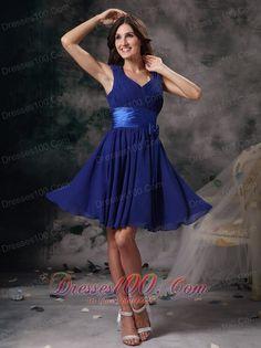 http://www.topdresses100.com/beautiful-wedding-dresses_c17  Popular Affordable Knee-length Bridesmaid Dresses 2014 Autumn