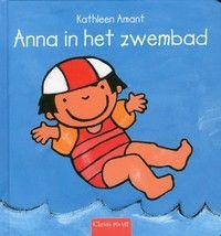 Anna gaat met mama naar het zwembad. Na het omkleden en douchen spelen ze samen in het kinderbadje. Anna is al gauw helemaal niet bang meer. Prentenboek met ...