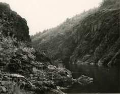 """Mark Ruwedel Pictures of Hell Hell Gate Rogue River 2000"""
