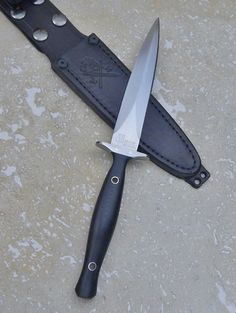 Vehement Knives wasp waisted dagger