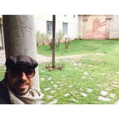 #CostantinoVitagliano Costantino Vitagliano: Affresco del #CastelloSforzesco  #passeggiandopermilano #ingiro #garden #art #painting #milan #winter #february #selfie #costantino #siviveunavoltasola