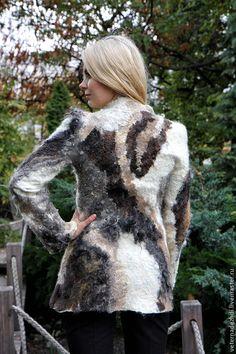 Nuno Felting, Wool Felting, Felt Art, Wearable Art, Fiber Art, Fabric Design, Diy And Crafts, Fur Coat, Weaving