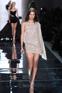 Photo of Bella Hadid Wore a Shimmery Dress Down the Alexandre Vauthier Runway Robert Kardashian, Khloe Kardashian, Kendall Jenner, Kylie, Alexandre Vauthier, Glamour Fashion, Mode Glamour, Fashion Beauty, Couture Mode