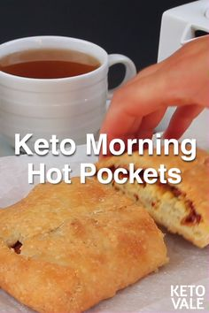 Hot Pockets Here's a low-carb, gluten-free and keto hot pocket recipe with fat head dough.Here's a low-carb, gluten-free and keto hot pocket recipe with fat head dough. Hot Pockets, Pizza Pockets, Ketogenic Recipes, Low Carb Recipes, Diet Recipes, Healthy Recipes, Healthy Meals, Recipes Dinner, Smoothie Recipes