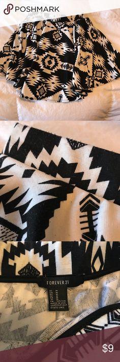 Forever 21 patterned skater skirt Forever 21 patterned skater skirt. Some pilling- see in picture. Awesome pattern Forever 21 Skirts Circle & Skater