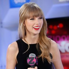 Paul Mitchell Schools | Taylor Swift's Blunt Bangs