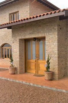 Serra Negra: Corredores e halls de entrada por Tikkanen arquitetura #casasrusticaschicas