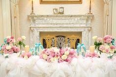 お花を飾るだけじゃない*先輩花嫁さんのこだわり「メインテーブル」装飾アイデア11選♩にて紹介している画像