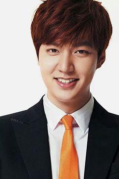 From Flower Boy to Leading Man Lee Min Ho Smile, Lee Min Ho Kdrama, Lead Men, Lee Sung, Korean Star, Korean Actors, Korean Dramas, Flower Boys, Korean Model