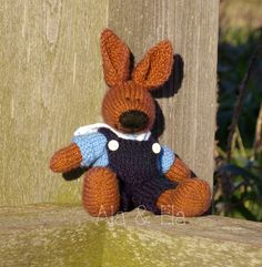 Knitted bunny, knitted rabbit - Sailor Hare Boy Pattern http://twinsknit.blogspot.com/