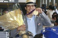 Ryota Murata, Olympic Gold Medalist, Enters Professional Ranks