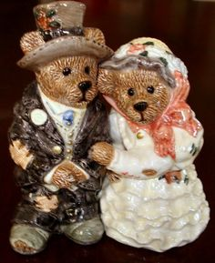 Boyds Bears Salt & Pepper Shakers - Grenville & Beatrice True Love by boyds. $19.99. resin salt & pepper shakers made by Boyds