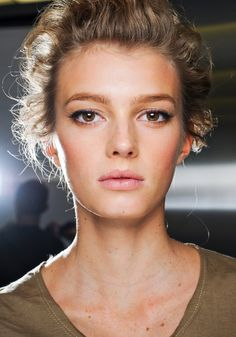 Sigrid Agren in 30 make-up looks Backstage at Dolc Runway Makeup, Beauty Makeup, Hair Makeup, Hair Beauty, Makeup Set, Dolce & Gabbana, Chanel Couture, Make Up Looks, Up Dos