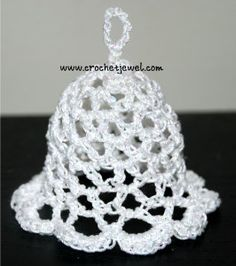 Crochet Christmas Bell! If you tell others about my work, please only link back to my blog, but don't copy my patterns to your site. Also you can sell anything you make from my patterns, but don't sell the free pattern. Thank you! Crochet Bell Ornament Video My Crochet You Tube