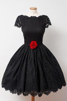 Vintage Black Lace Homecoming Dress Bateau Knee-Length Handmade Flower