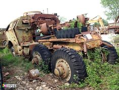 Vintage and Classic Commercial Vehicles in Europe Antique Trucks, Vintage Trucks, Mack Trucks, Old Trucks, Abandoned Cars, Abandoned Vehicles, Supercars, Dragon Wagon, Truck Transport