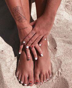 Finger Tattoos, Body Tattoos, New Tattoos, Sleeve Tattoos, Tatoos, Full Body Tattoo, Get A Tattoo, Mini Tattoos, Small Tattoos